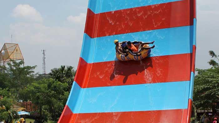 Boomerang Slide Water Kingdom