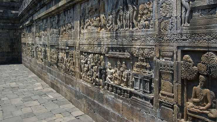 Zona Kamadhatu Candi Borobudur