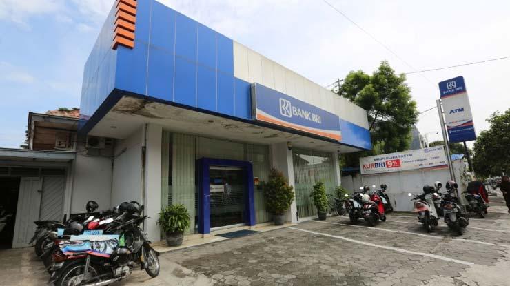 1. Kunjungi Kantor Bank BRI