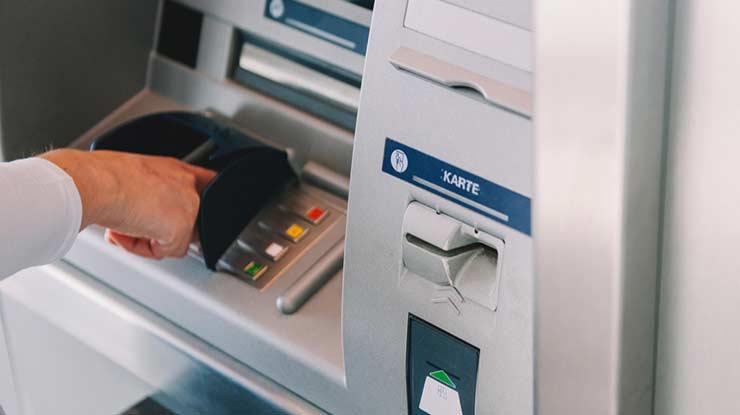 5. Mesin ATM BCA